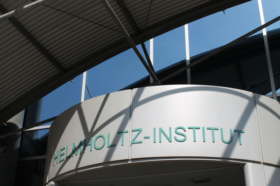 Helmholtz Institute entrance